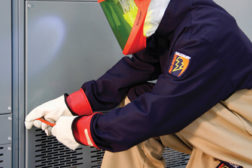 Retesting rubber insulating gloves