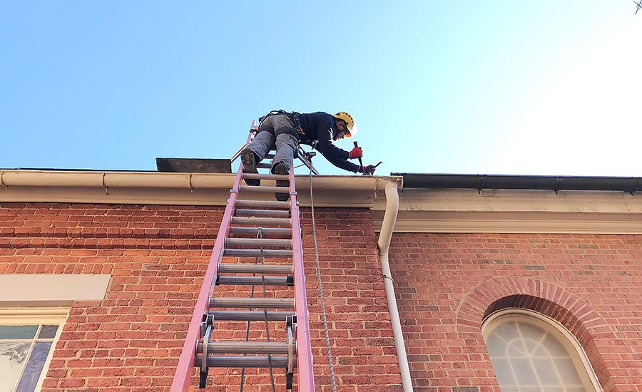 Roofing recruits learn more than safety skills in training