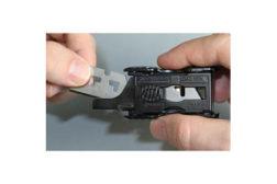 Pocket blade dispenser
