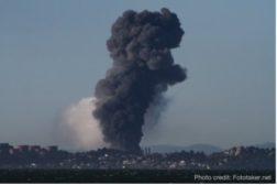 vapor cloud from refinery fire