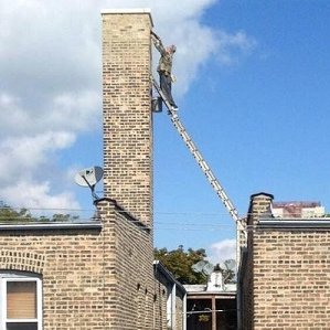 Biggest Idiot On A Ladder Crowned In Uk 2012 12 12 Ishn